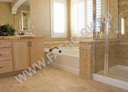 Отделка ванной комнаты из оникса HONEY