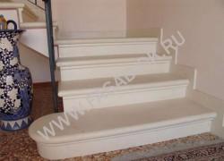 Лестница из белого мрамора Тасос