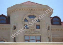 Декоры и фасад дома из песчаника