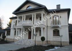 Облицовка фасада дагестанским камнем - песчаник. Облицовка цоколя дома дагестанским доломитом