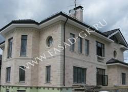 Облицовка фасада из дагестанского розового песчаника. Архитектурные изделия из белого дагестанского известняка